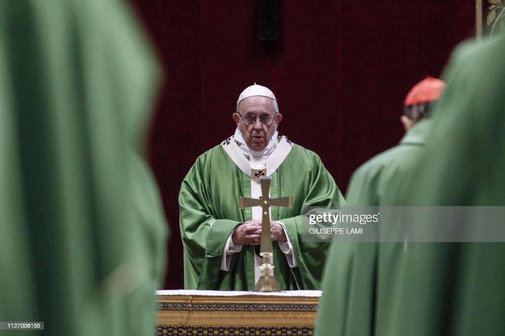 VATICAN-RELIGION-POPE-CHILDREN-ASSAULT-SUMMIT : News Photo