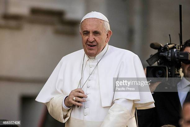Pope Francis attends his Weekly General Audience on the Wednesday of Holy Week on April 01 2015 in Vatican City Vatican Pope Francis leads his Weekly...