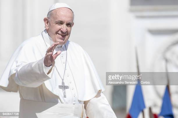 Pope Francis attends the Easter Mass and delivers his Urbi Et Orbi blessing and message to the World in St Peter's Square on April 1 2018 in Vatican...