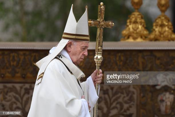 Pope Francis celebrates the Easter Sunday mass on April 21 2019 at St Peter's square in the Vatican Christians around the world are marking the Holy...