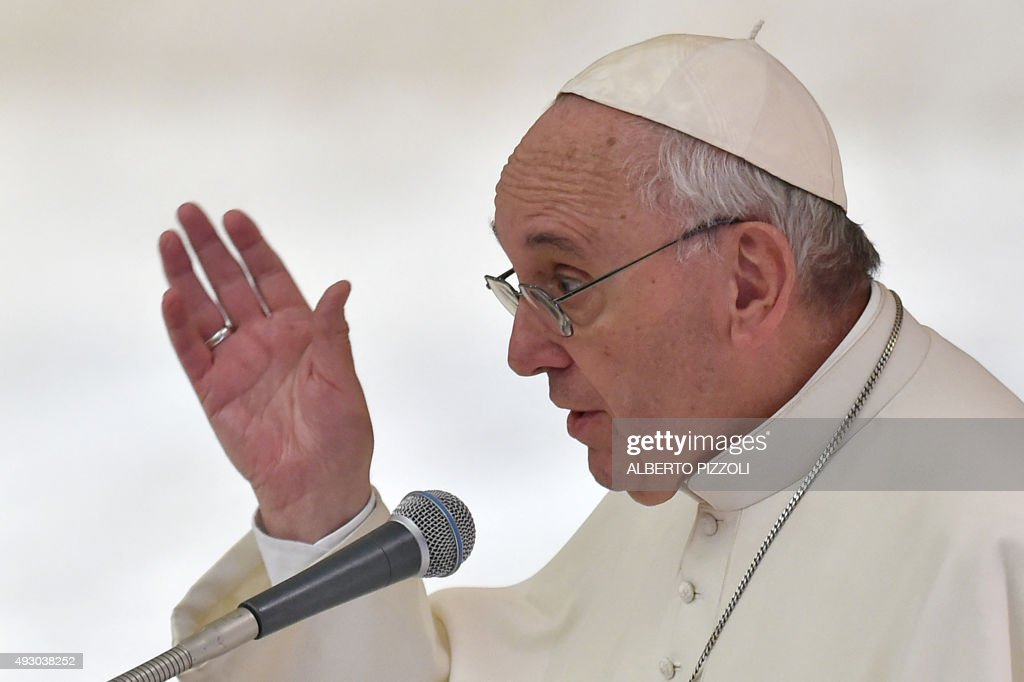 VATICAN-POPE-AUDIENCE-SYNOD-ANNIVERSARY : News Photo