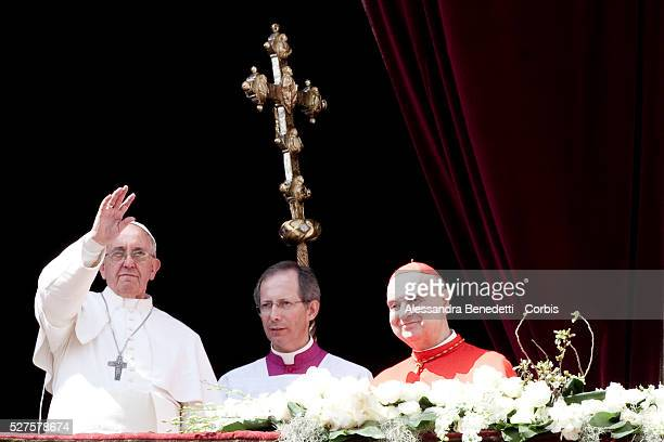 Pope Francis delivers Urbi et Orbi Message to the world from the Central Loggia of StPeter's BAsilica at the end of the celebration of Easter Mass