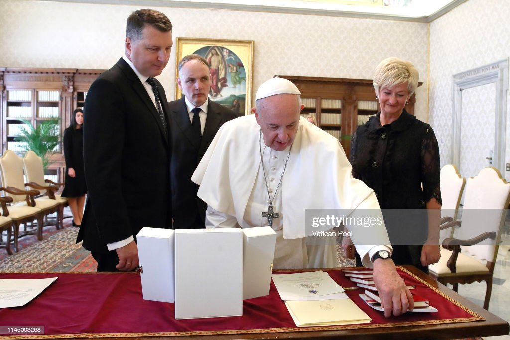 VAT: Pope Francis Meets President of Latvia Raimonds Vejonis
