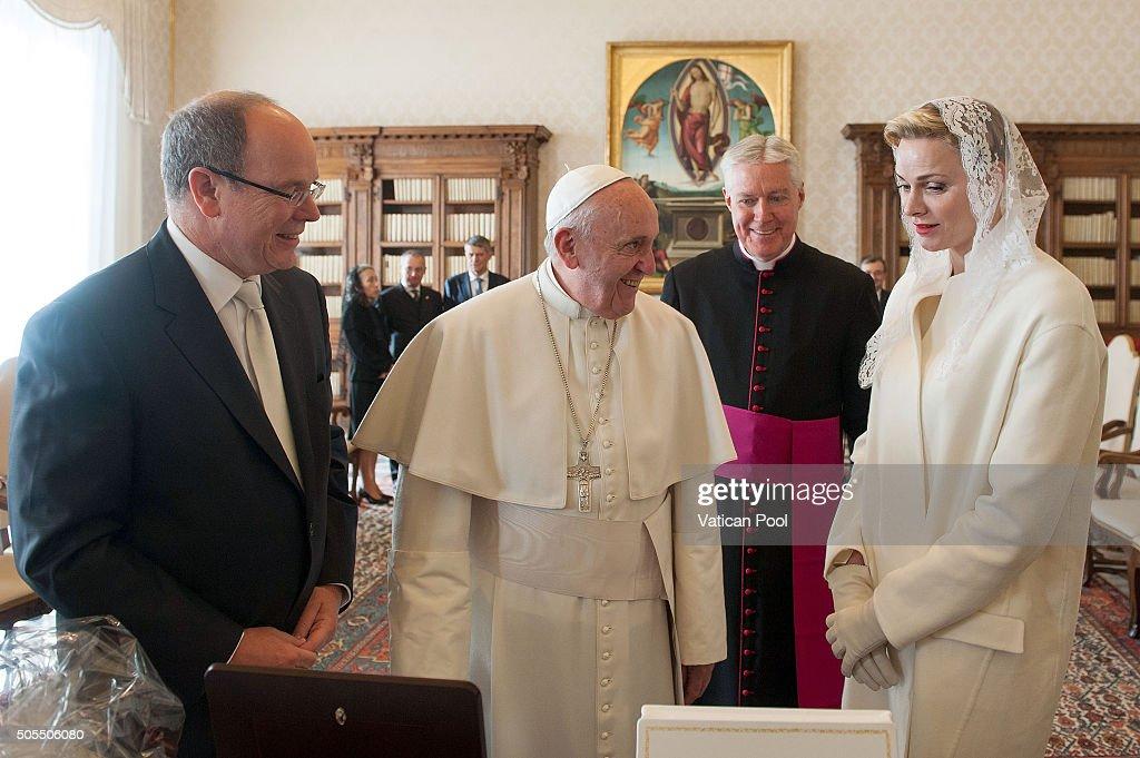 The Pope Meets Albert And Charlene Of Monaco : News Photo