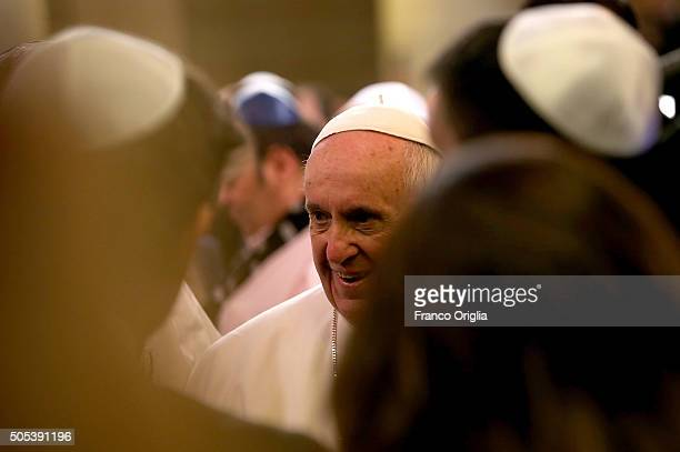 Pope Francis greets leaders and members of the local Jewish community during his visit to the Rome's synagogue on January 17 2016 in Rome Italy The...