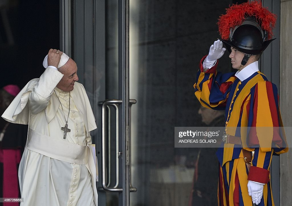 VATICAN-POPE-SYNOD-FAMILIES : News Photo