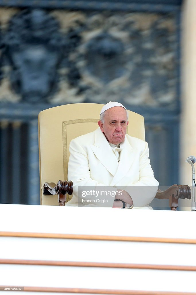 Pope Francis Holds Weekly Audience : News Photo
