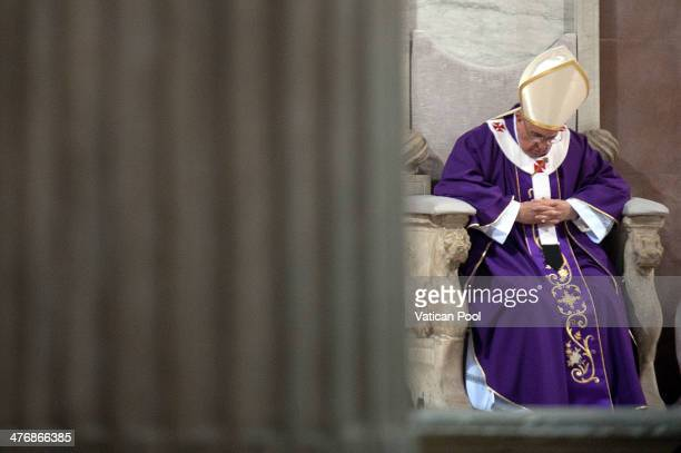 Pope Francis leads the Ash Wednesday service at Basilica di Santa Sabina on March 5 2014 in Rome Italy Ash Wednesday opens the liturgical 40day...