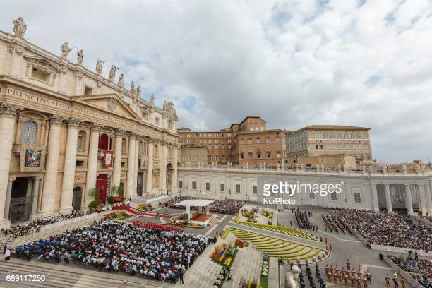 Pope Francis leads the Easter Sunday Mass in St Peter's Square in Vatican City Vatican on April 16 2017