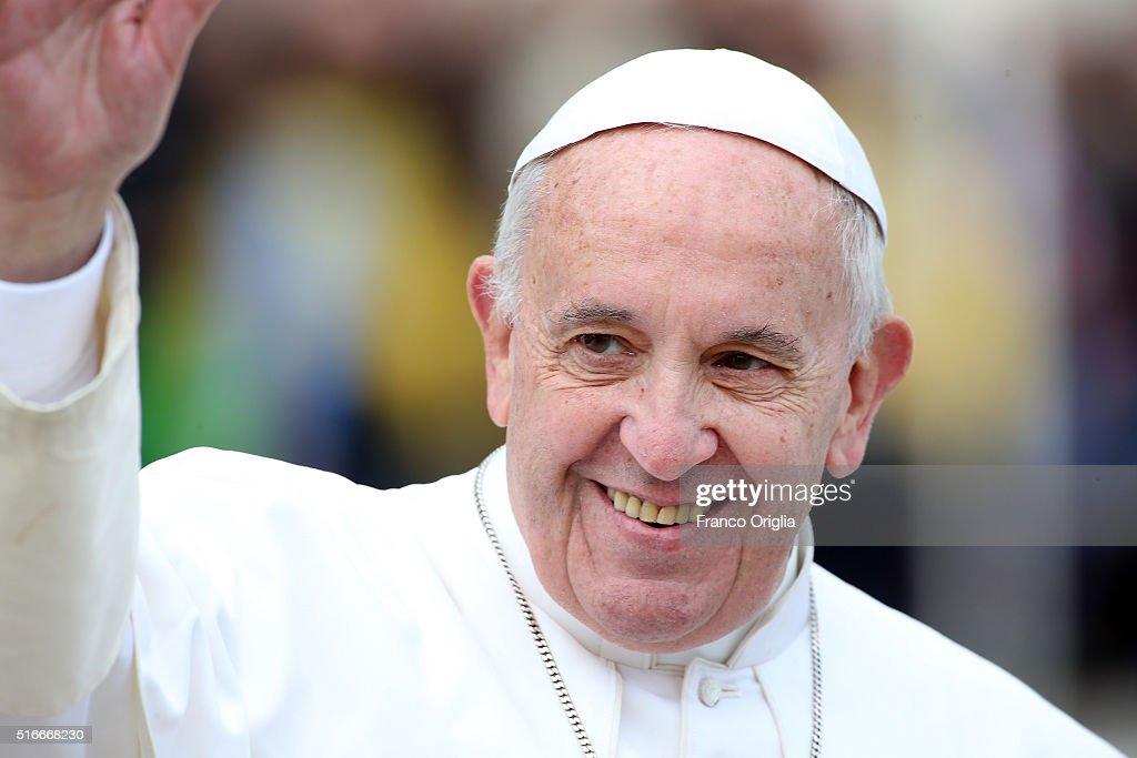 Pope Attends Palm Sunday