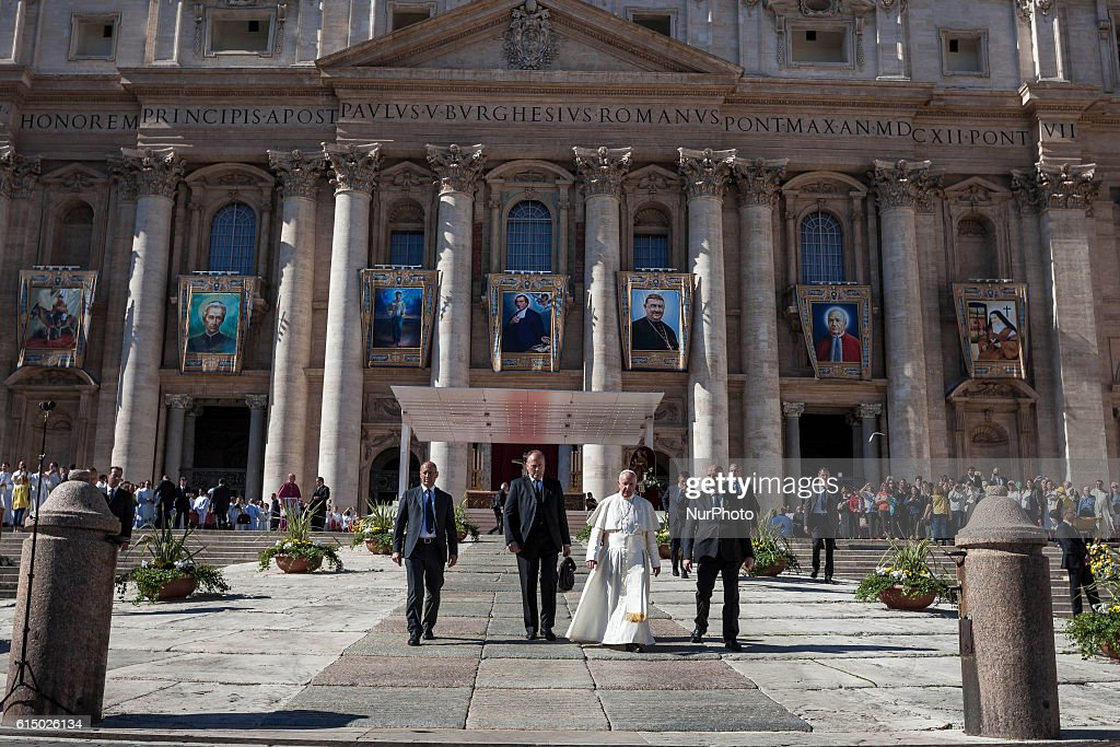 Pope Francis Leads A Canonisation Ceremony : News Photo