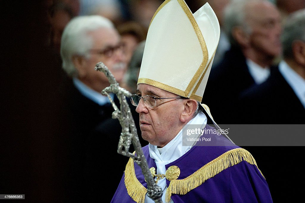 Pope Francis Celebarates Ash Wednesday At Santa Sabina Basilica : News Photo