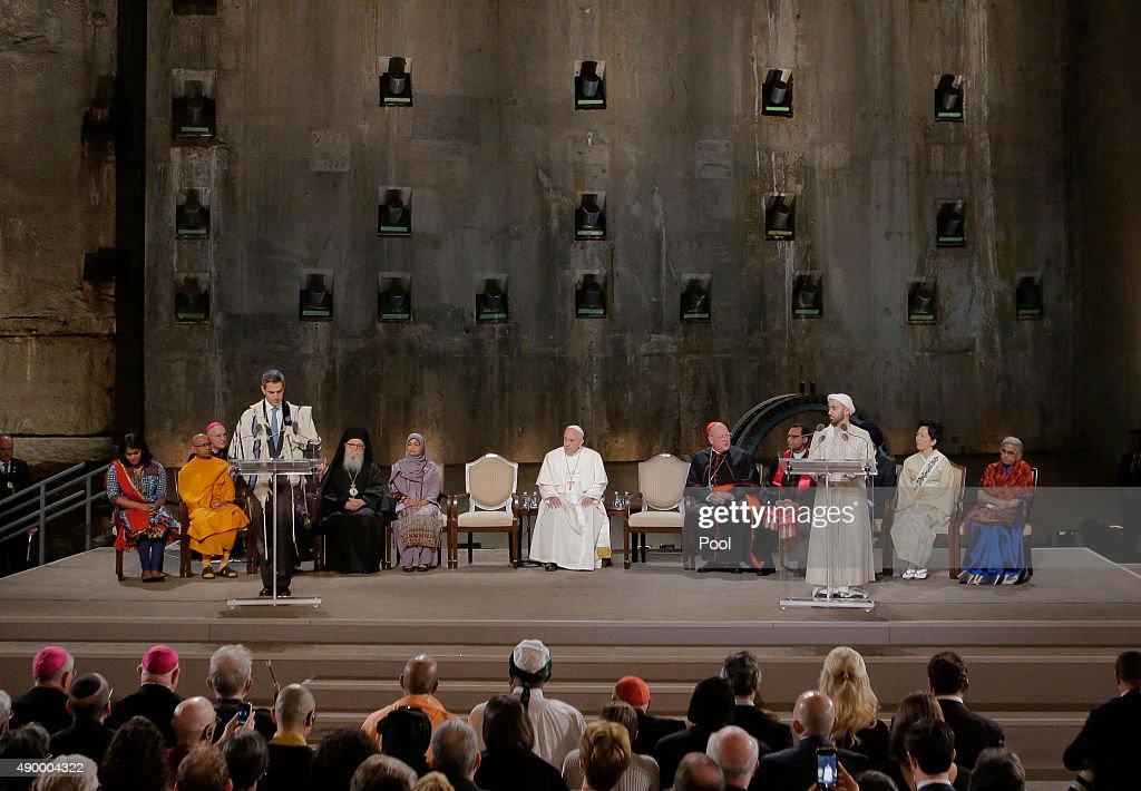Pope Francis Visits 9/11 Memorial And Museum In Lower Manhattan : News Photo