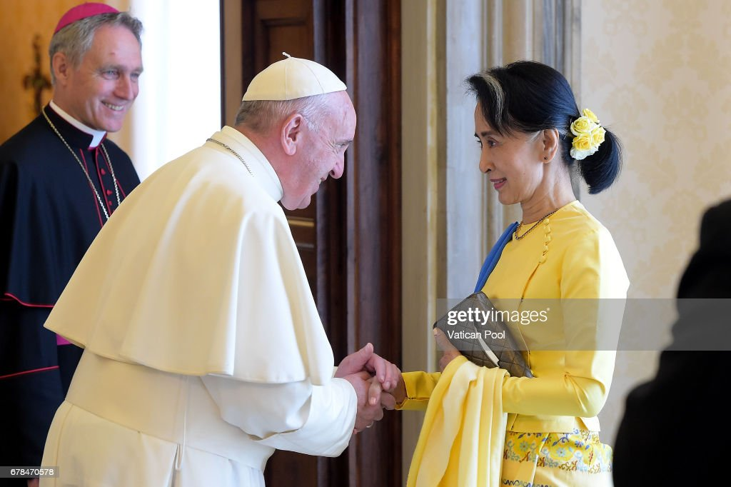 Pope Francis Meets Daw Aung San Suu Kyi : News Photo