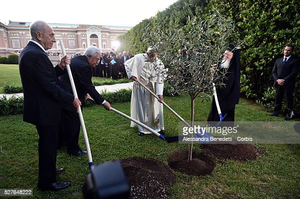 Pope Francis Meets Israeli President Shimon Peres Palestinian President Mahmoud Abbas And Patriarch Bartholomaios I To Pray For Peace at the Vatican...