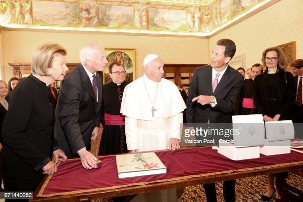 Pope Francis meets Prince HansAdam II of Lichtenstein Princesse Marie of Liechtenstein Alois Hereditary Prince of Liechtenstein and Sophie Hereditary...