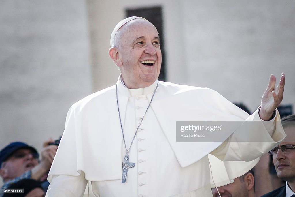 Pope Francis reacts during his Weekly General Audience in St... : News Photo