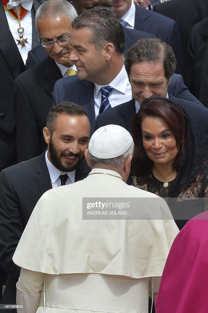 VATICAN-RELIGION-POPE-CANONISATION : News Photo