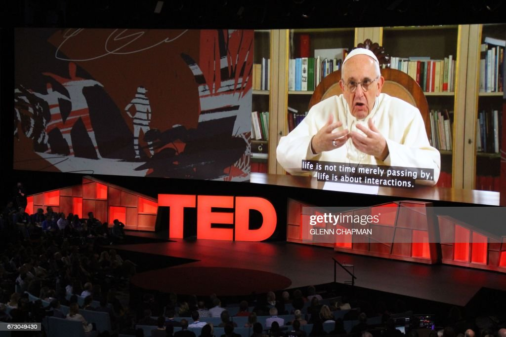US-CANADA-RELIGION-INTERNET-COMPUTERS-TED-POPE : News Photo