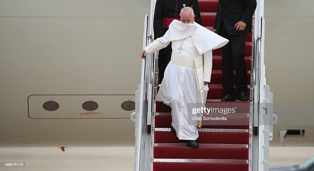 Pope Francis Arrives From Cuba For Visit To D.C., New York, And Philadelphia : News Photo