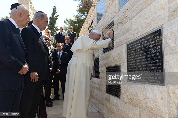 Pope Francis visits the Yad Vashem Israel's official memorial to Jewish victims of the Holocaust with Israeli President Shimon Peres and Israeli...