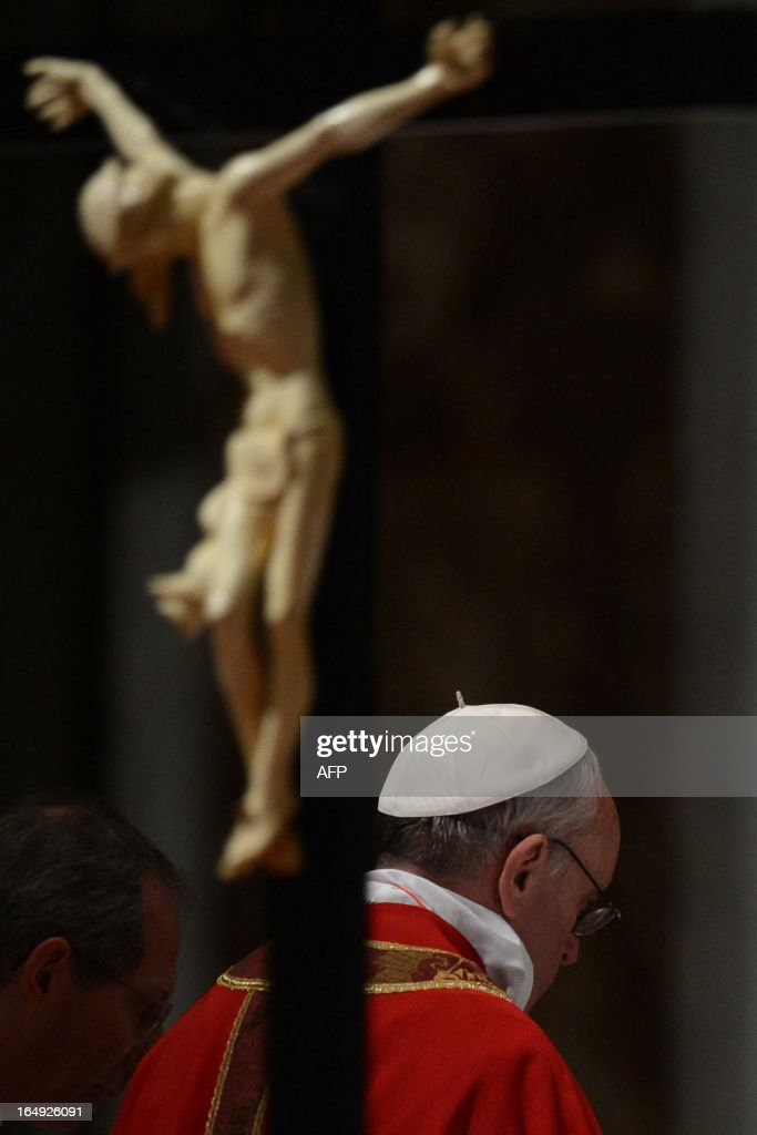 VATICAN-POPE-EASTER-LORD PASSION : News Photo