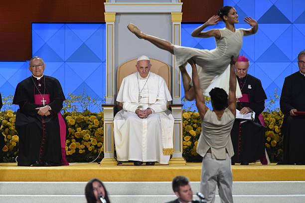 """Résultat de recherche d'images pour """"pope francis dancers"""""""