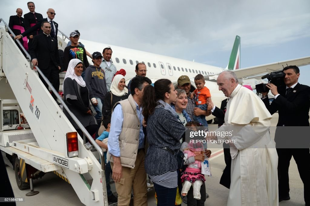 GREECE-VATICAN-POPE-VISIT-LESBOS-IMMIGRATION : News Photo