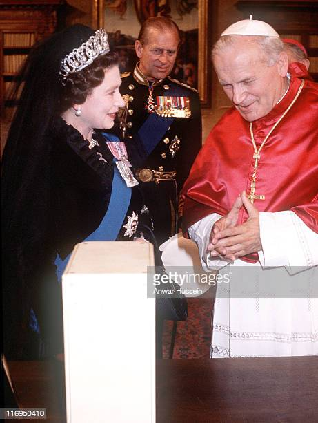 Pope John Paul 11 Meets HM The Queen Elizabeth II And The Duke Of Edinburgh At The Vatican On October 17 1980