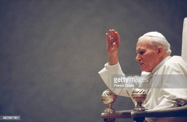 Pope John Paul II celebrates the Easter Mass at St. Peter's Basilica on April 11, 1993 in Vatican City, Vatican.