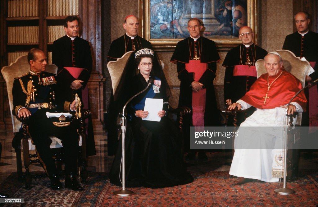 Queen Elizabeth II visit to the Vatican : News Photo