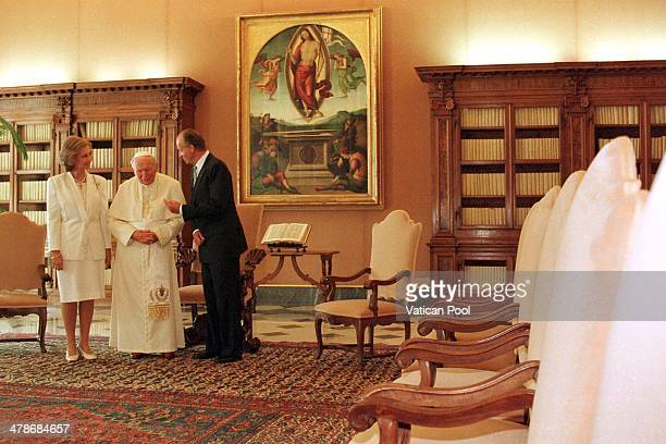 Pope John Paul II meets Queen Sofia and King Juan Carlos of Spain at his private library in the Apostolic Palace on September 29 1998 in Vatican City...