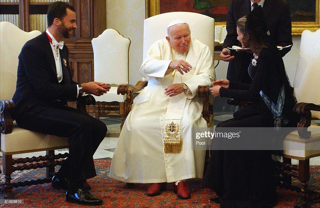 Crown Prince Felipe And Princess Letizia Ortiz Meet The Pope : News Photo