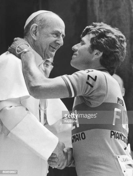 Pope Paul VI blesses competitor Franco Tosello at Vatican City before the 57th Giro d'Italia May 1974
