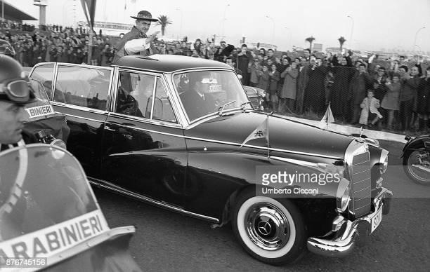 Pope Paul VI greets the crowd in Fiumicino 1964.