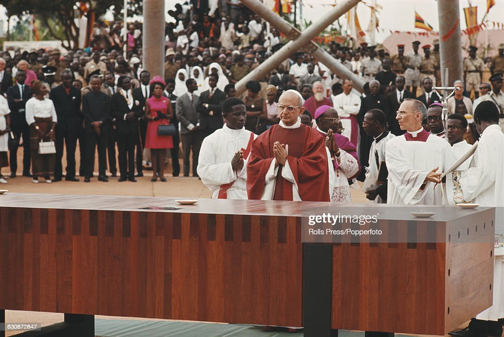 Pope Paul VI In Uganda : News Photo