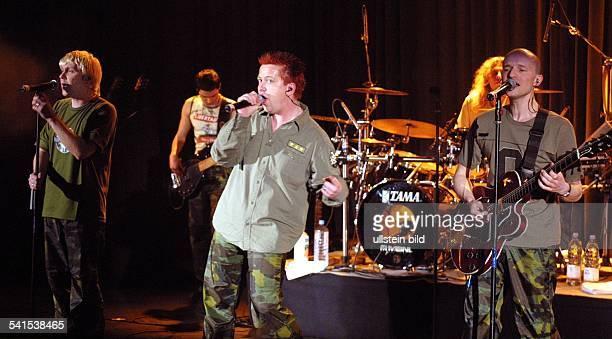 Popgruppe Acappella D Tobias Künzel Sebastian Krumbiegel und Wolfgang Lenk bei einem Auftritt im Savoy Theater in Düsseldorf
