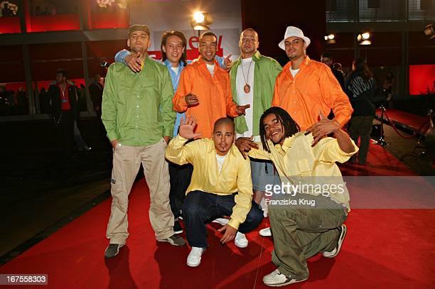 Popgruppe Culcha Candela Bei Der Verleihung Des Nachwuchspreises New Faces Award Der Zeitschrift Bunte Im Bcc In Berlin Am 070705