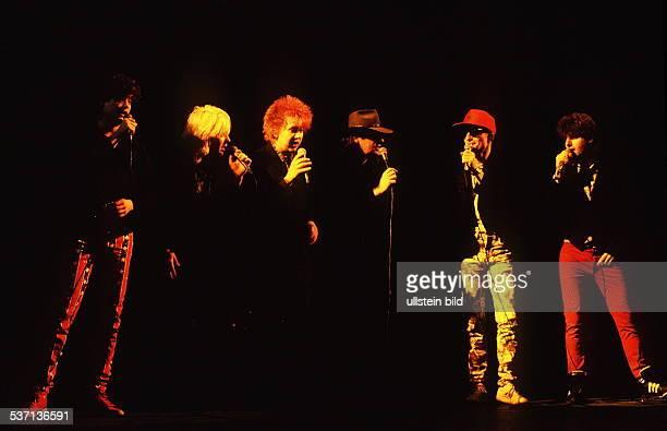 Popgruppe D bei einem Auftritt