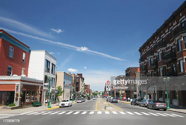 poplular urban montreal avenue - buzbuzzer stock pictures, royalty-free photos & images
