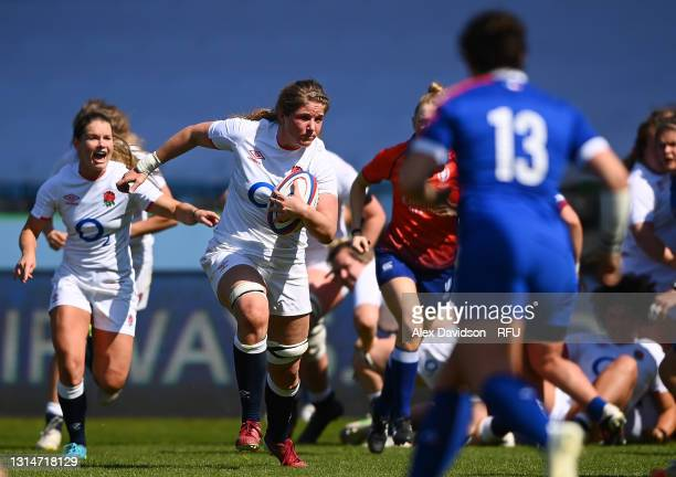 Poppy Cleall of England makes a break during the Women's Six Nations match between England and France at The Stoop on April 24, 2021 in London,...