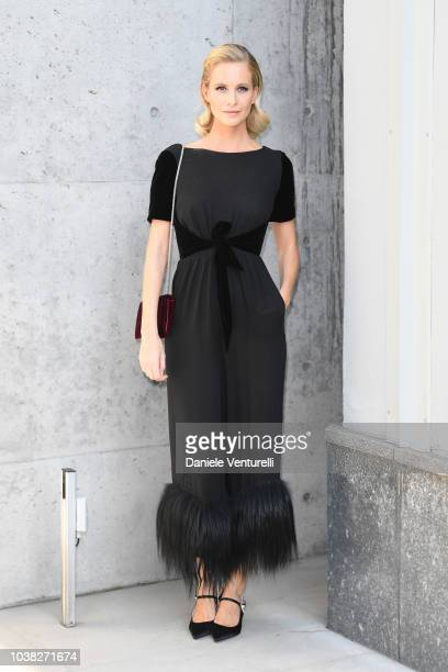 Poppy Delevingne arrives the Giorgio Armani show during Milan Fashion Week Spring/Summer 2019 on September 23 2018 in Milan Italy