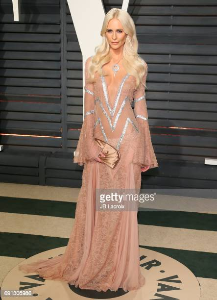 Poppy Delevingne attends the 2017 Vanity Fair Oscar Party hosted by Graydon Carter at Wallis Annenberg Center for the Performing Arts on February 26...