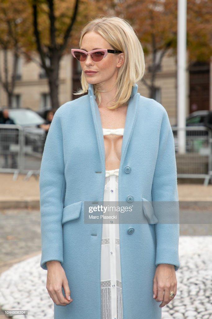 Miu Miu : Outside Arrivals - Paris Fashion Week Womenswear Spring/Summer 2019 : News Photo