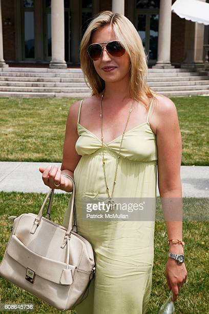 Poppy Harlow attends Escape The City Picnic with RUINART Champagne at Vanderbilt Estate on June 25 2007 in ScarboroughonHudson NY
