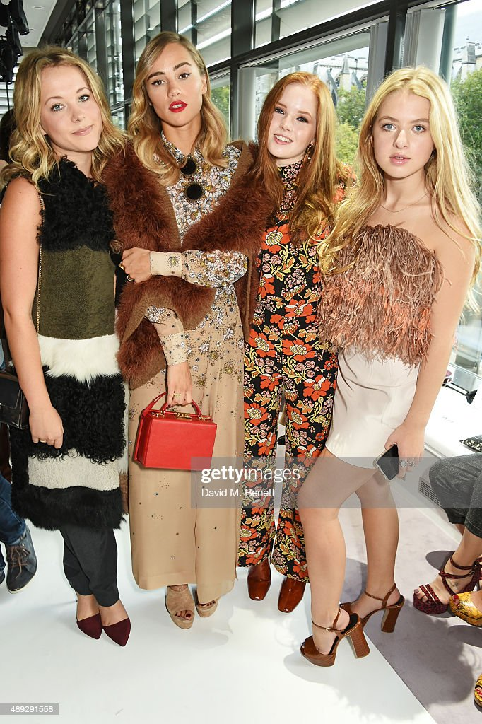 Topshop Unique - Front Row - LFW SS16 : News Photo