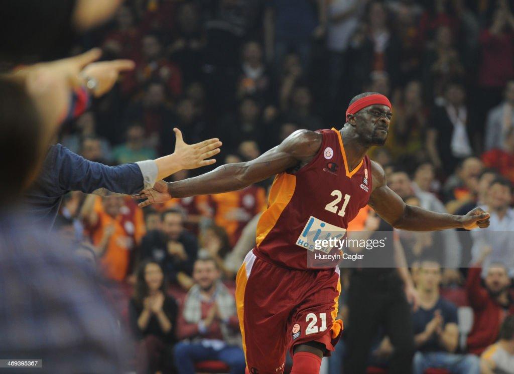 Galatasaray Liv Hospital Istanbul v CSKA Moscow - Turkish Airlines Euroleague Top 16 : News Photo