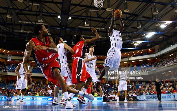 Pops Mensah-Bonsu of Besiktas shoots on goal as Abdul Aminu and Malcolm Delaney of Chalon defend during the FIBA Europe EuroChallenge Final Four...