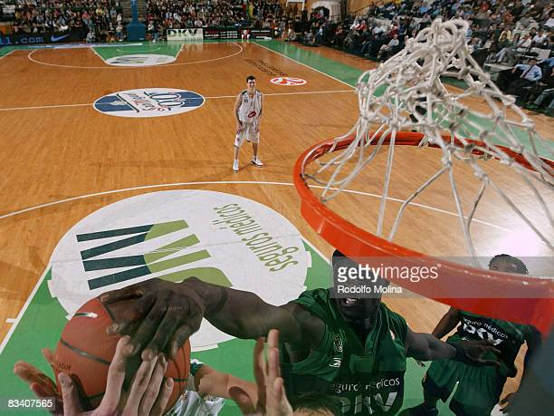Pops MensahBonsu of DKV Joventut in action during the Euroleague Basketball Game 1 match between DKV Joventut and Union Olimpija Ljubljana at the...