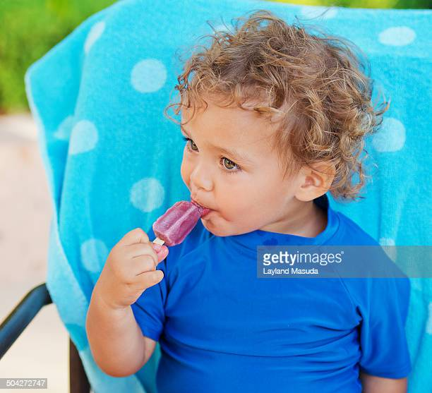 popsicle toddler - hazel irvine stock pictures, royalty-free photos & images